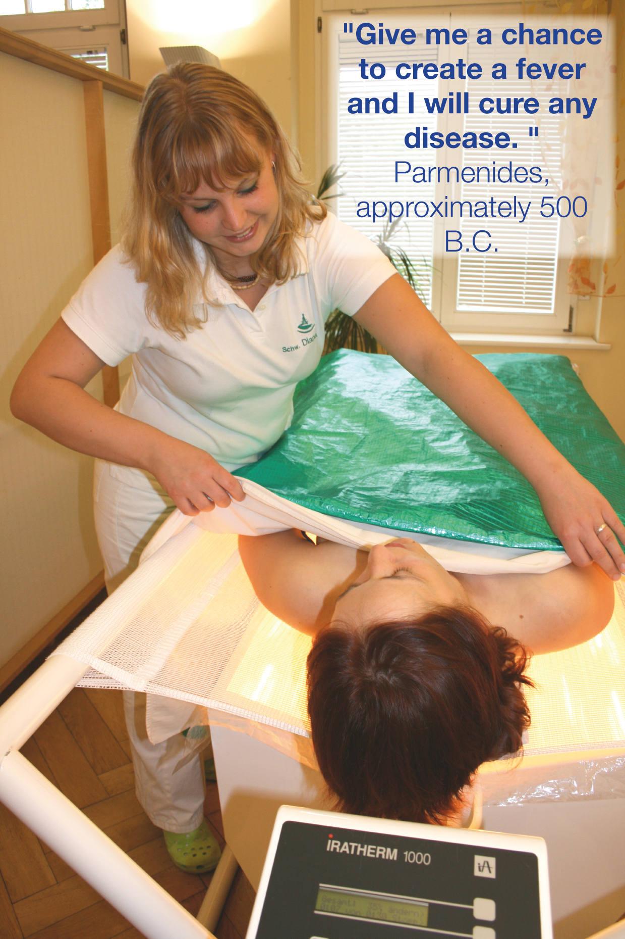 Терапевт с пациентом Klinik im Leben на лечении рака через гипертермию, одним из методов альтернативной медицины.
